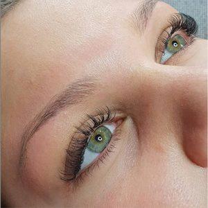 regard yeux verts mascara